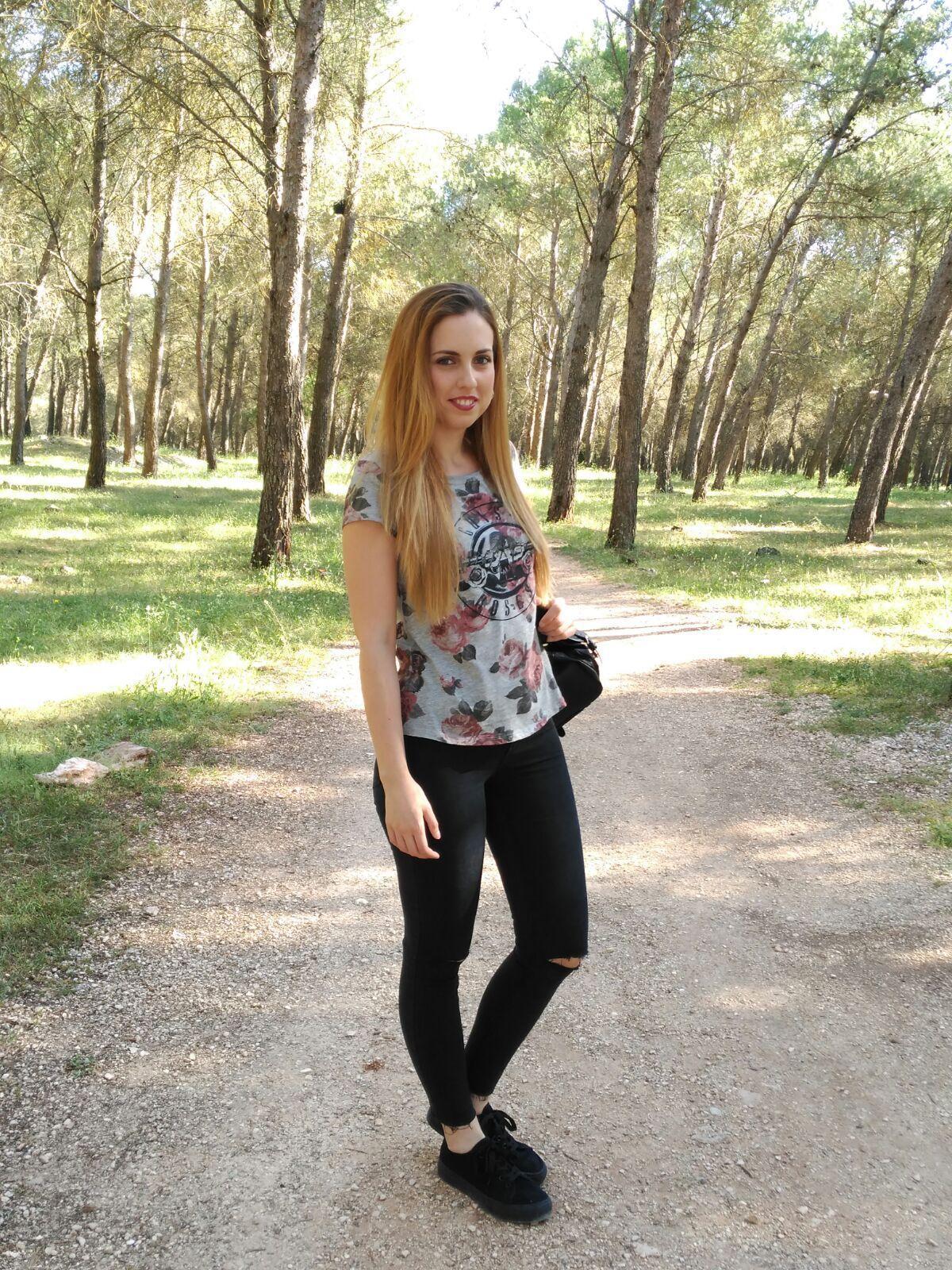 marikowskaya street style nuria ripped jeans (3)