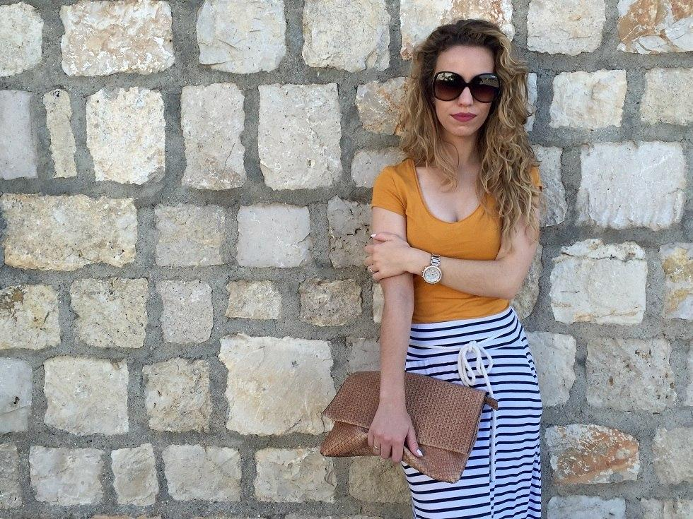 marikowskaya street style jennifer falda larga rayas (1)