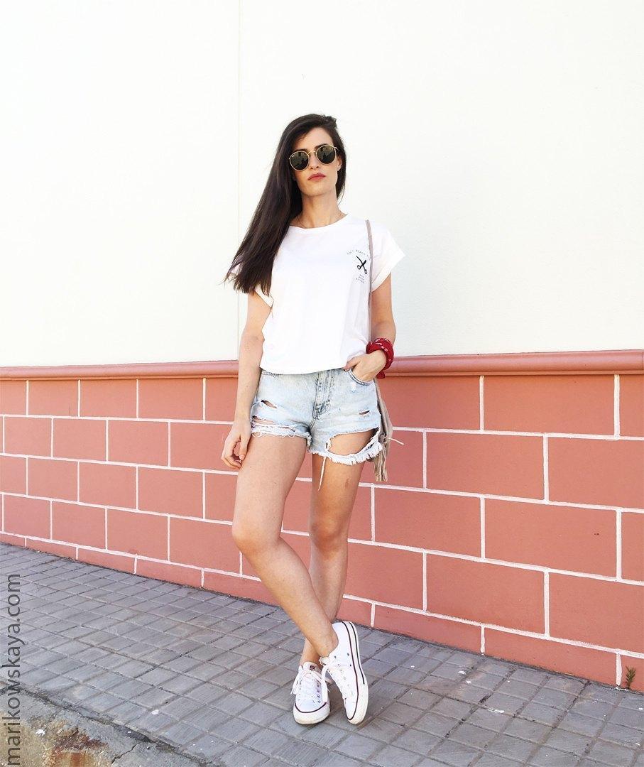 marikowskaya street style ripped jeans 4