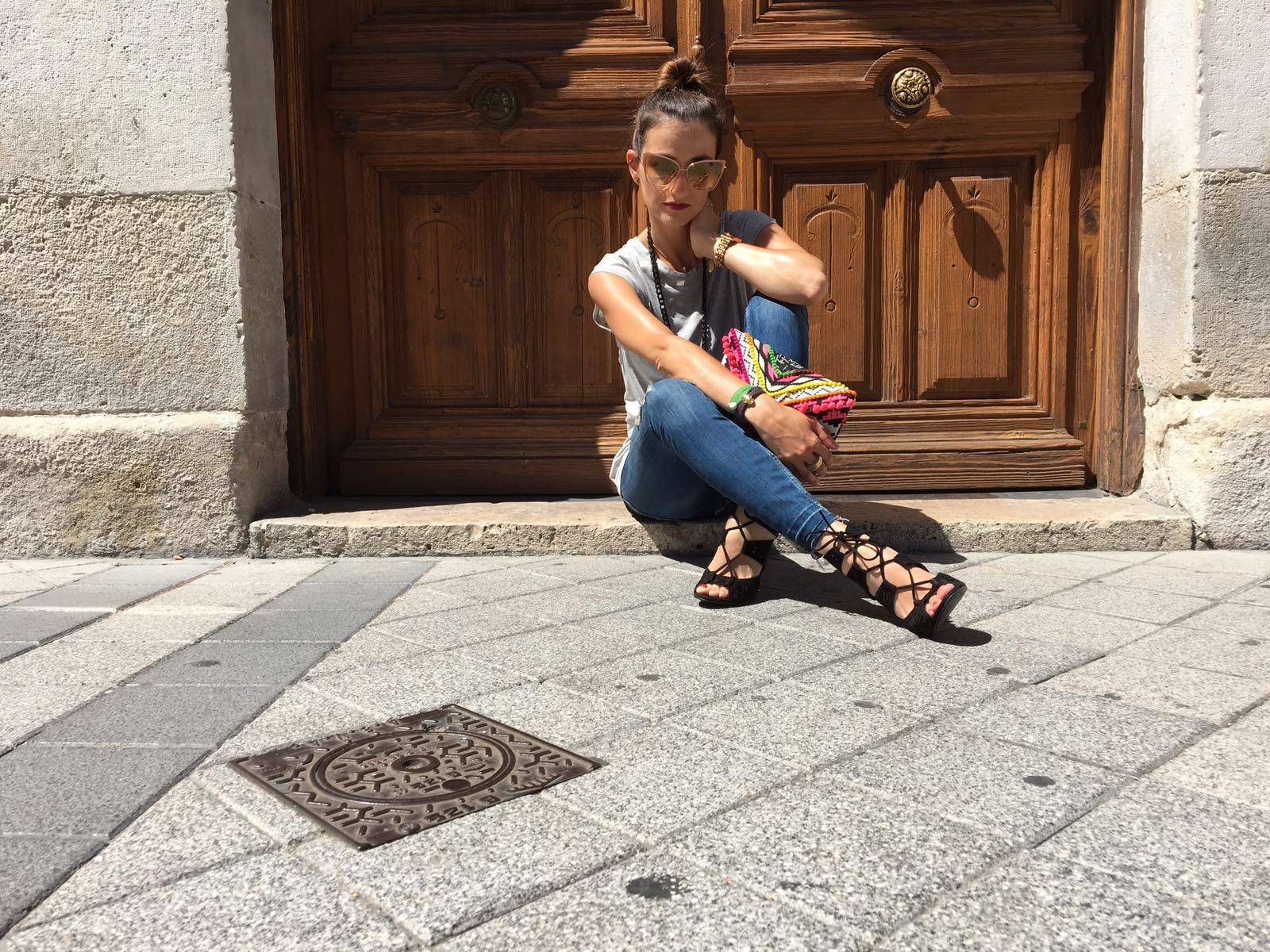 marikowskaya street style elena ripped jeans (4)