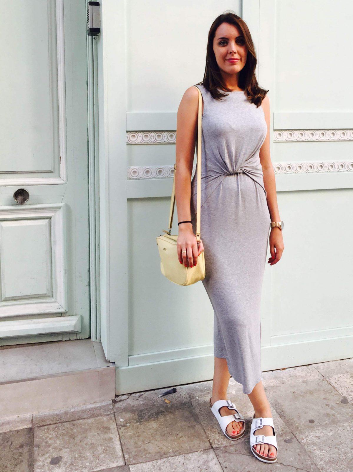marikowskaya street style monica vestido gris largo (1)