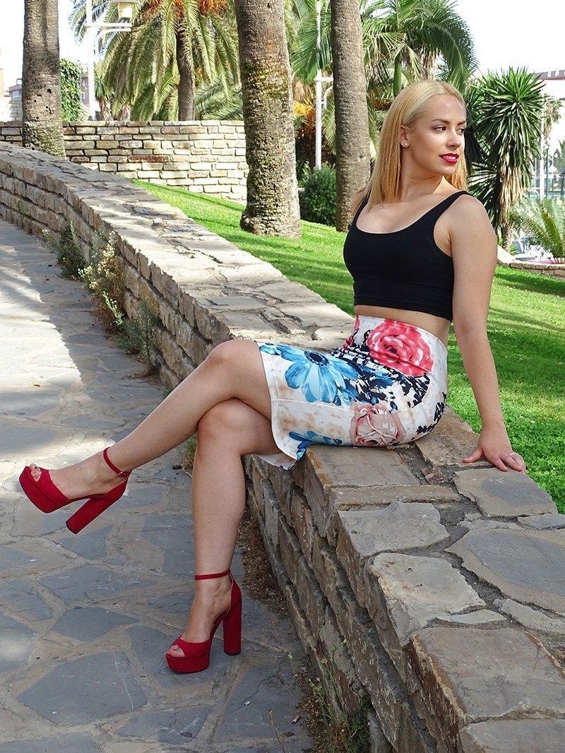 marikowskaya street style patricia falda tubo flores (2)