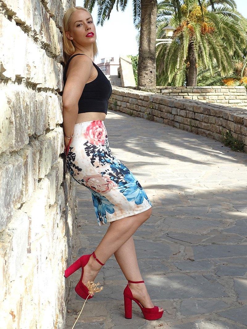 marikowskaya street style patricia falda tubo flores (9)