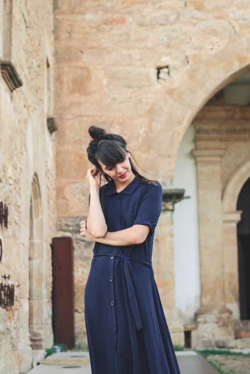 marikowskaya-street-style-amparo-blue-zara-dress-3