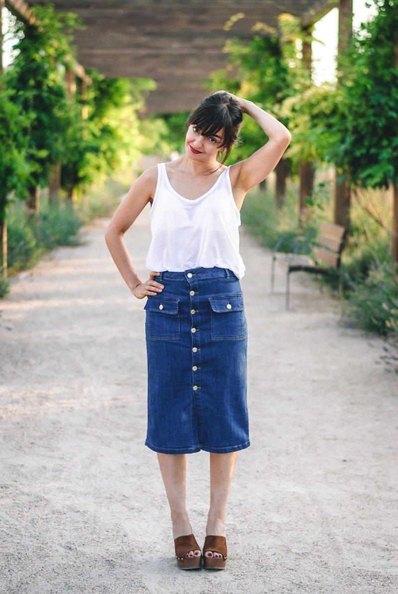 marikowskaya-street-style-amparo-denim-midi-skirt-2