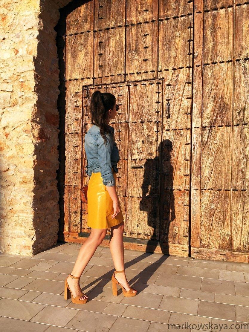 marikowskaya-street-style-falda-amarilla-6