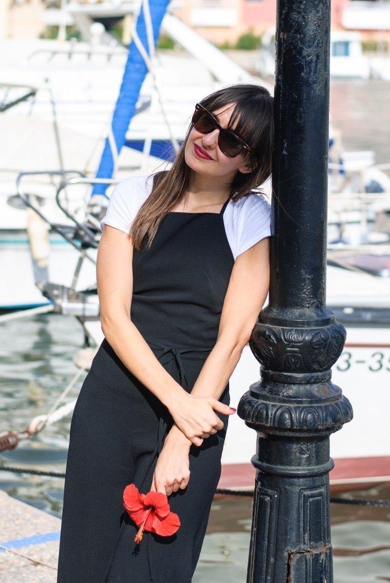 marikowskaya-street-style-amparo-black-jumpsuit-5