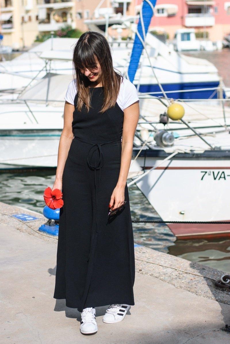 marikowskaya-street-style-amparo-black-jumpsuit-6