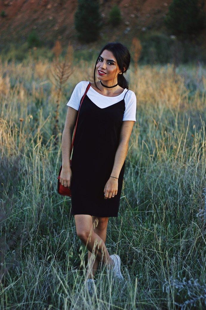 marikowskaya-street-style-lu-vestido-negro-2