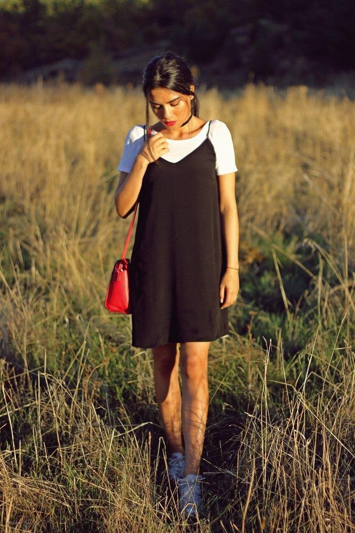 marikowskaya-street-style-lu-vestido-negro-5