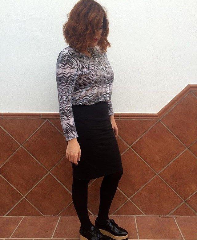 marikowskaya-street-styla-carmen-falda-negra
