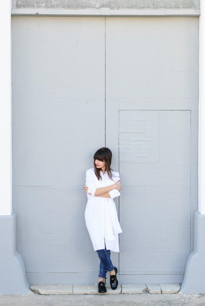 marikowskaya-street-style-amparo-white-dress-10