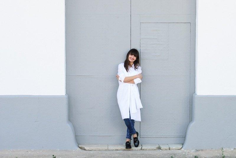 marikowskaya-street-style-amparo-white-dress-11