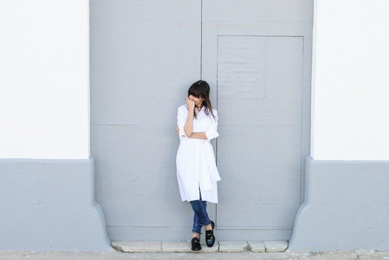 marikowskaya-street-style-amparo-white-dress-9