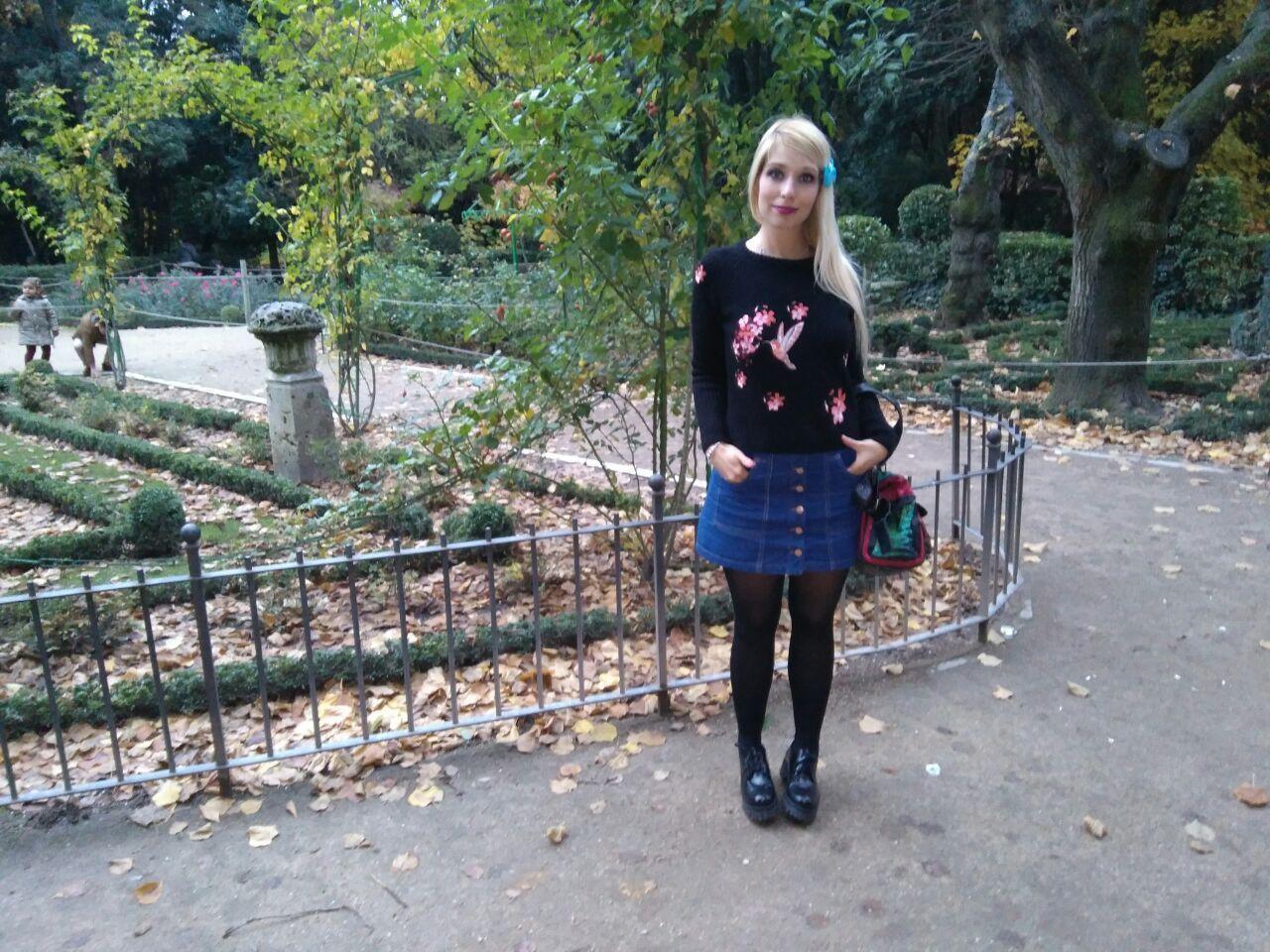 marikowksaya-street-style-paula-jersey-negro-bordado-7