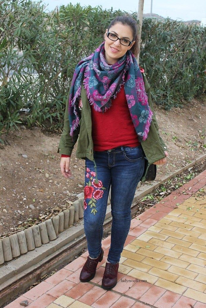 marikowskaya-street-style-noelia-jeans-bordados-flores-1