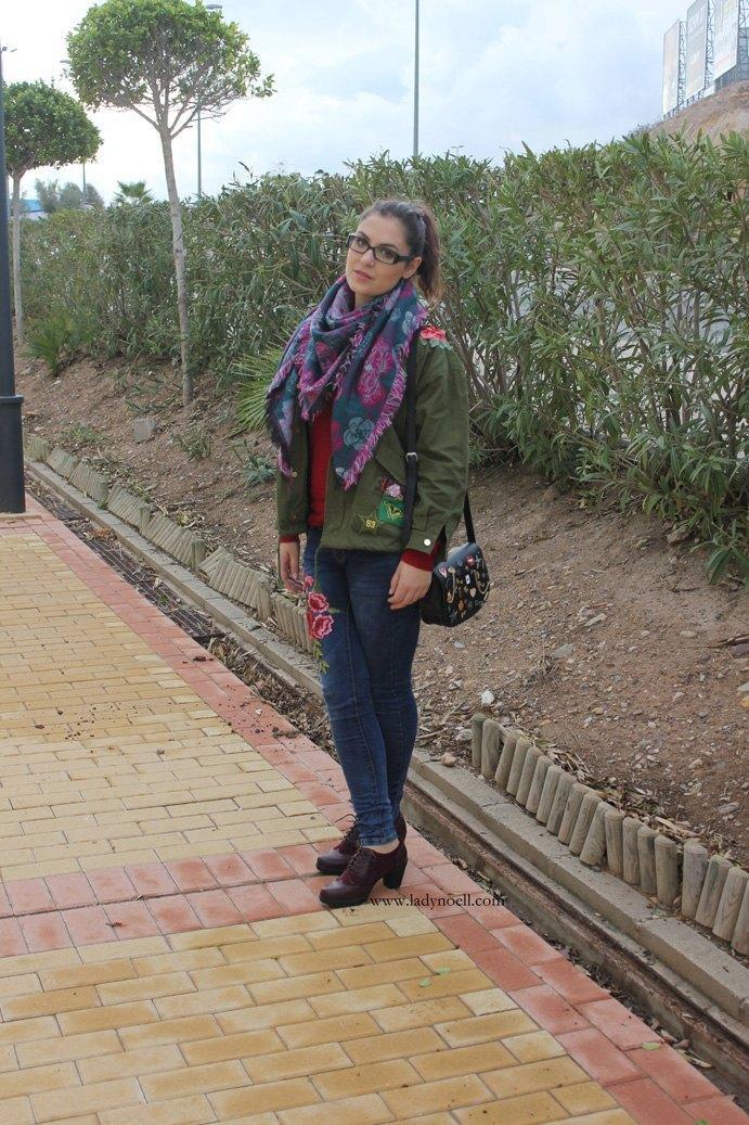 marikowskaya-street-style-noelia-jeans-bordados-flores-2