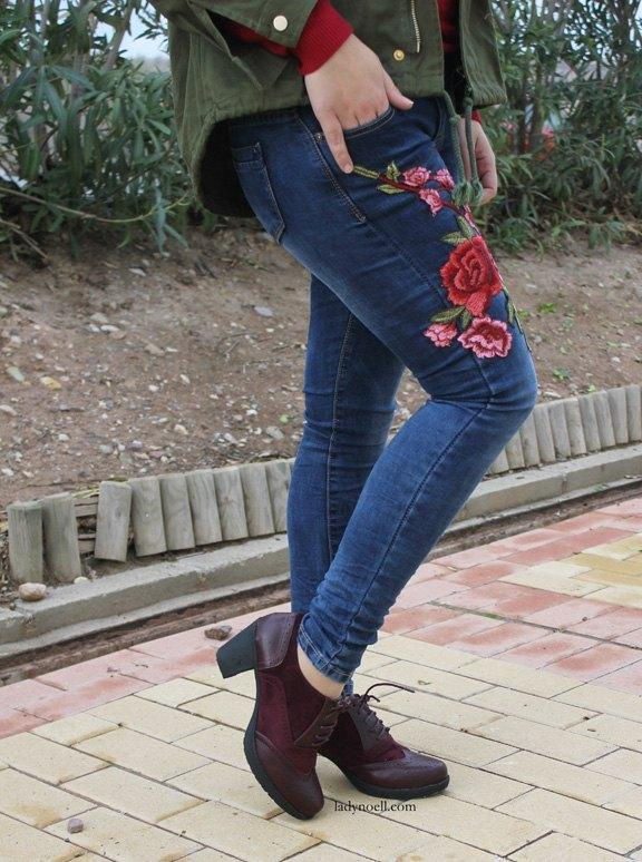 marikowskaya-street-style-noelia-jeans-bordados-flores-4