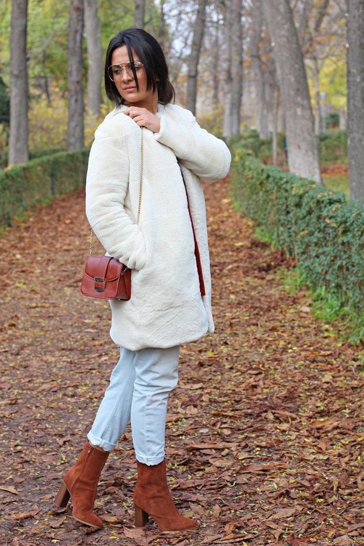 marikowskaya-street-style-carmen-abrigo-pelo-5