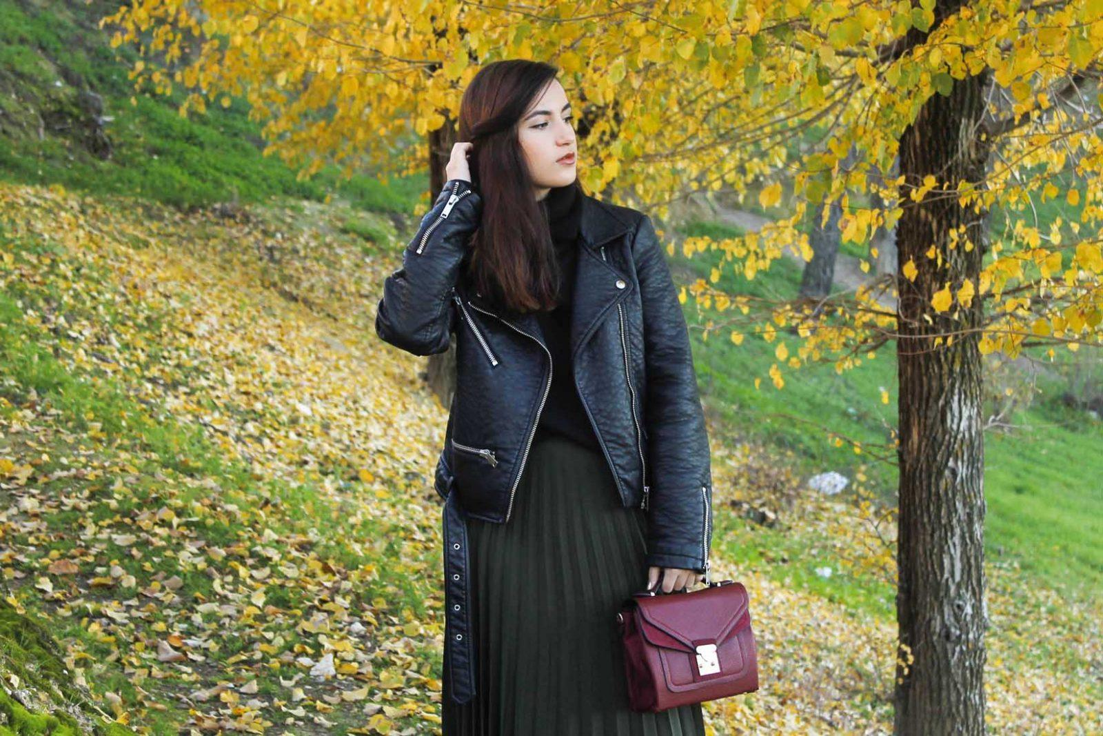 marikowskaya-street-style-deire-falda-plisada-negra-1