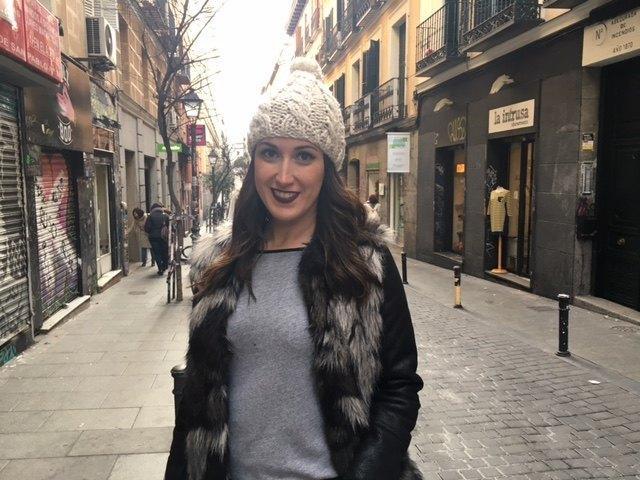 marikowskaya street style irene chaleco pelo (3)