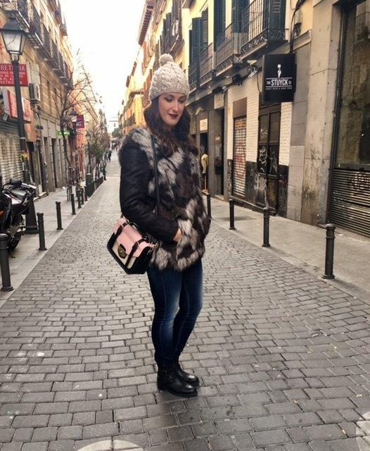 marikowskaya street style irene chaleco pelo (5)