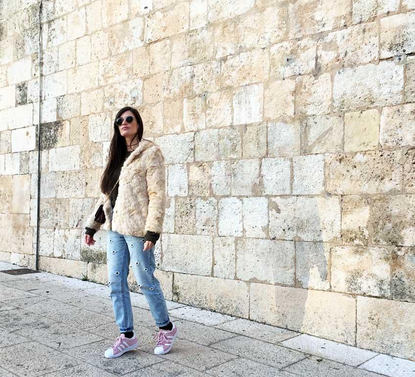 marikowskaya street style mom jeans