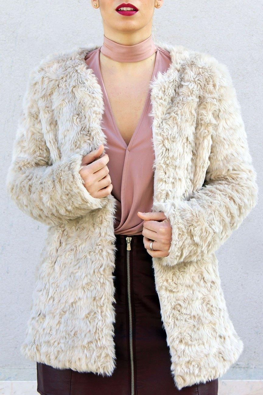 marikowskaya street style patripaan abrigo pelo (5)