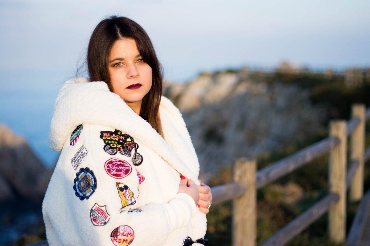 marikowskaya street style alba abrigo blanco (1)