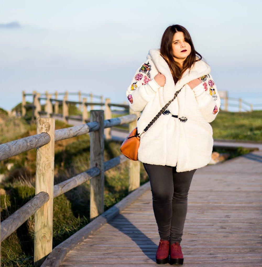 marikowskaya street style alba abrigo blanco (4)