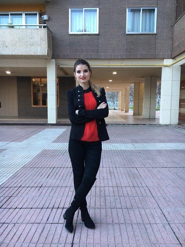 marikowskaya street style andrea negro y rojo (4)