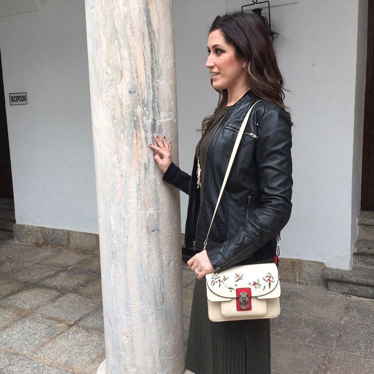 marikowskaya street style irene vestido largo gris (4)