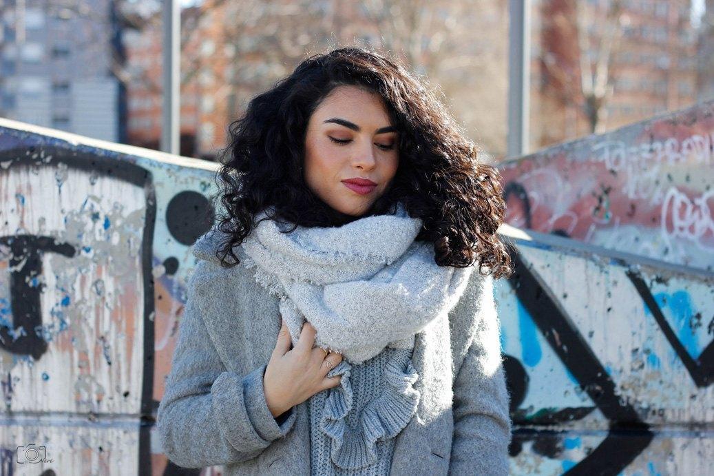 marikowskaya street style lu abrigo gris (2)