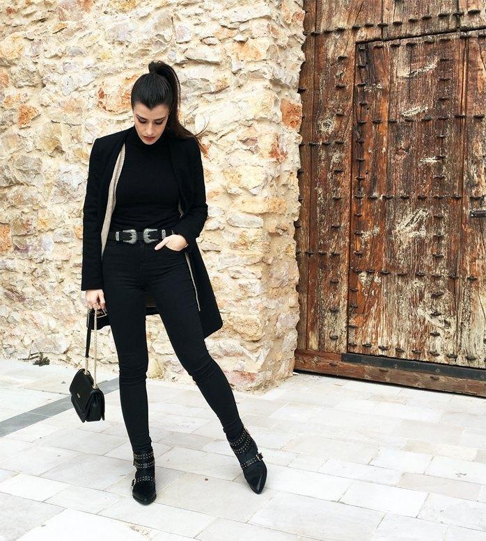 marikowskaya street style total black