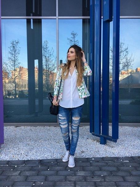 marikowskaya street style andrea ripped jeans (5)