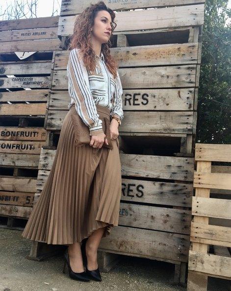 marikowskaya street style jennifer falda beige (2)