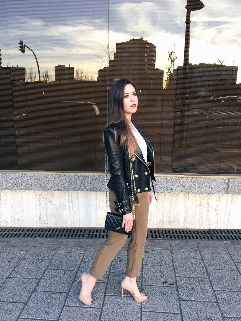 marikowskaya street style sara pantalón kakhi (1)