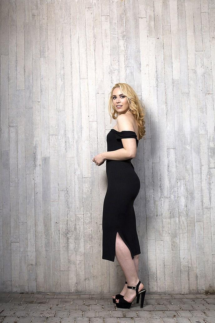 marikowskaya street style patri vestido negro off shoulders (6)