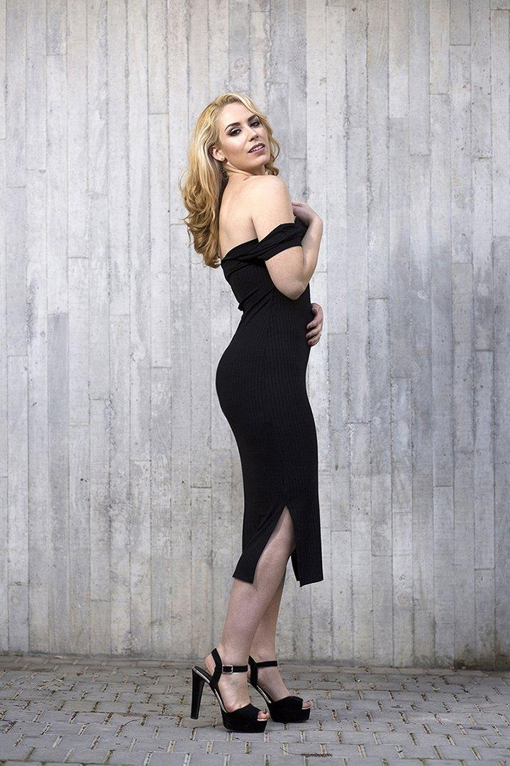 marikowskaya street style patri vestido negro off shoulders (8)