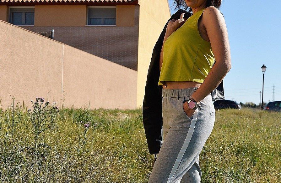 marikowskaya street style rocío top amarillo (1)