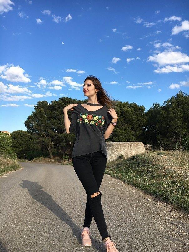 marikowskaya street style andrea camiseta choker (3)